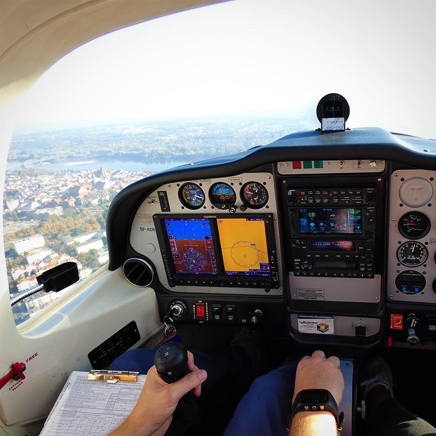 Cockpit P2002JF